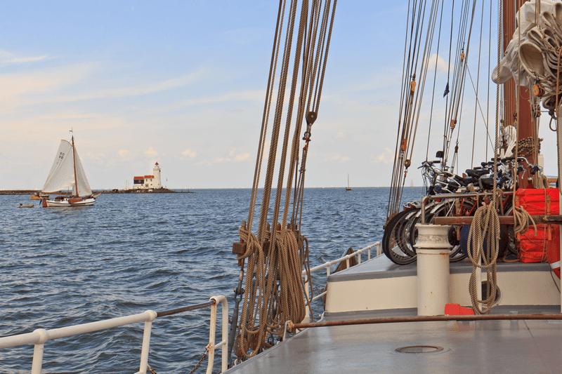 https://boatbiketours.com/wp-content/uploads/2018/03/Sailing_10.png