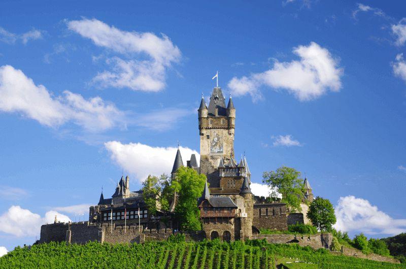 https://boatbiketours.com/wp-content/uploads/2018/02/Cochem_Mosel_view_castle_3.jpg