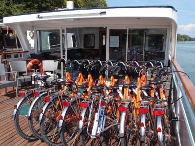 http://boatbiketours.com/wp-content/gallery/provence/Soleo_fietsen.jpg