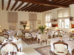 http://www.bonlaboureur.com/Photos2011/SalleManger2-p.jpg