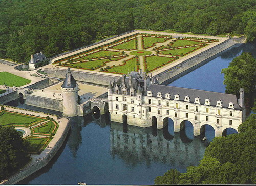 http://www.commontales.com/content/1/stories/4219/chateau_chenonceaux.100404490779NO52.jpg