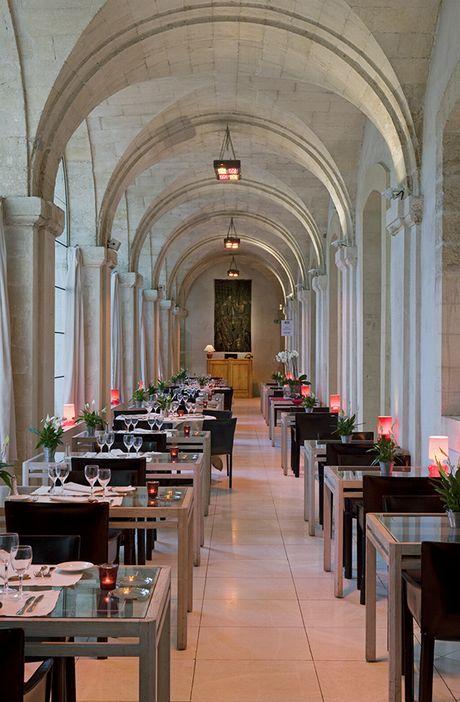 Restaurant Le Saint Louis - CLOITRE SAINT LOUIS, Hôtel 4 étoiles à AVIGNON