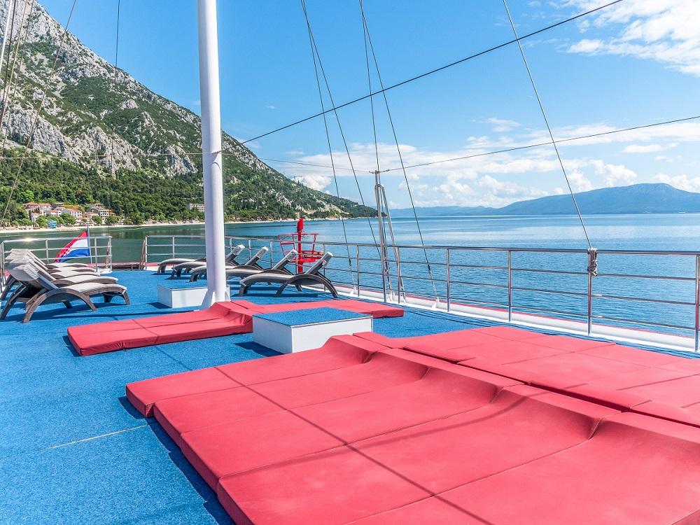 Barco Harmonia - deck