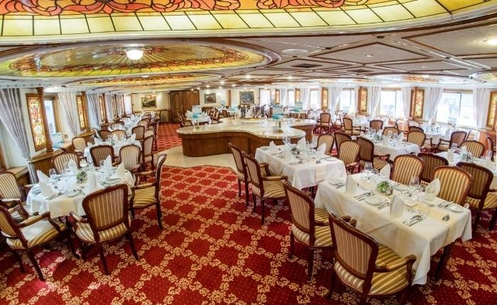 C:\Gilles\Paris Texas 2020\Lixo\MS PRINZESSIN KATHARINA Restaurant (11).jpg