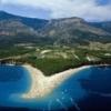 http://www.holiday-bol-croatia.com/images/bol/zlatni_rat_beach_2.jpg
