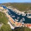 Promenade sur le port de Bonifacio - Office de tourisme de Bonifacio